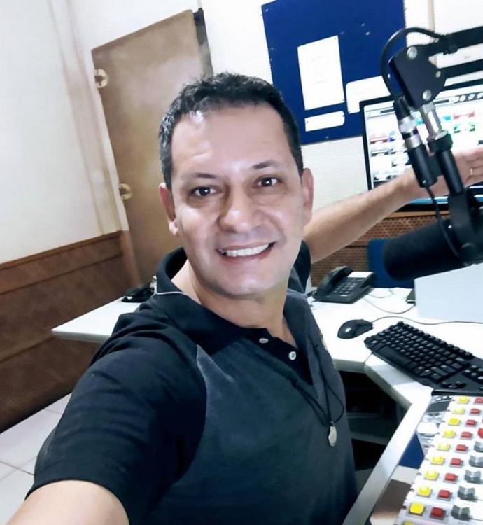 Morre no HB aos 49 anos, de Covid, locutor de rádio da região