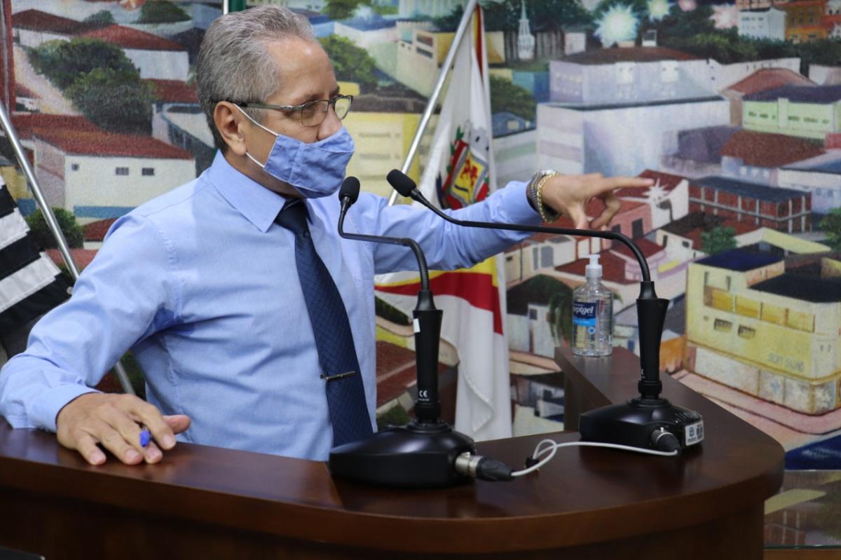 Vereador João Pedro pede divulgação da lista de vacinados contra a Covid-19