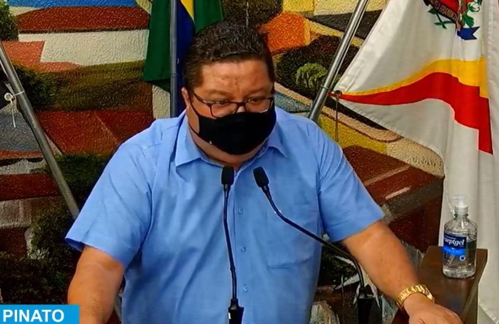 Gustavo Pinato ataca Pessuto: 'quase tudo que o senhor fala não coloca na prática, então é melhor não falar'