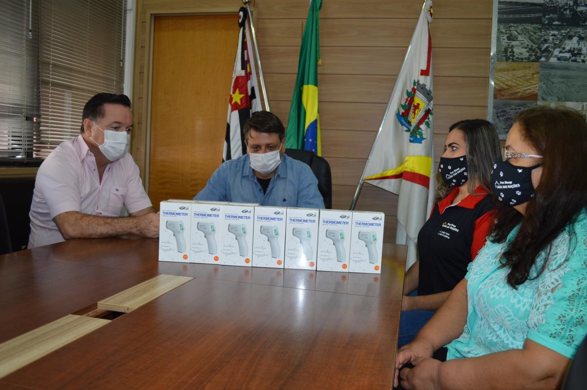 'Empresa Amiga da Saúde' recebe doação de termômetros infravermelhos