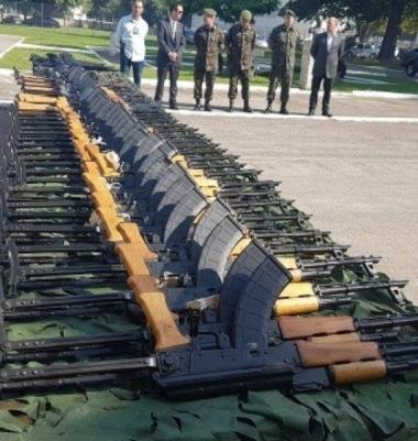 Preso por tráfico de armas é solto com alvará falso no Rio de Janeiro
