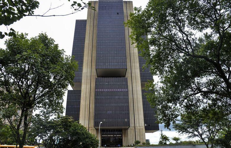 Mercado aumenta previsões para inflação, aponta levantamento do Banco Central