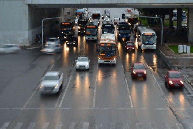 CNH, cadeirinha, farol: veja mudanças na lei de trânsito que começam a valer nesta segunda