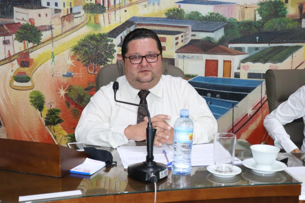 Gustavo Pinato pede informações sobre custo total da UPA