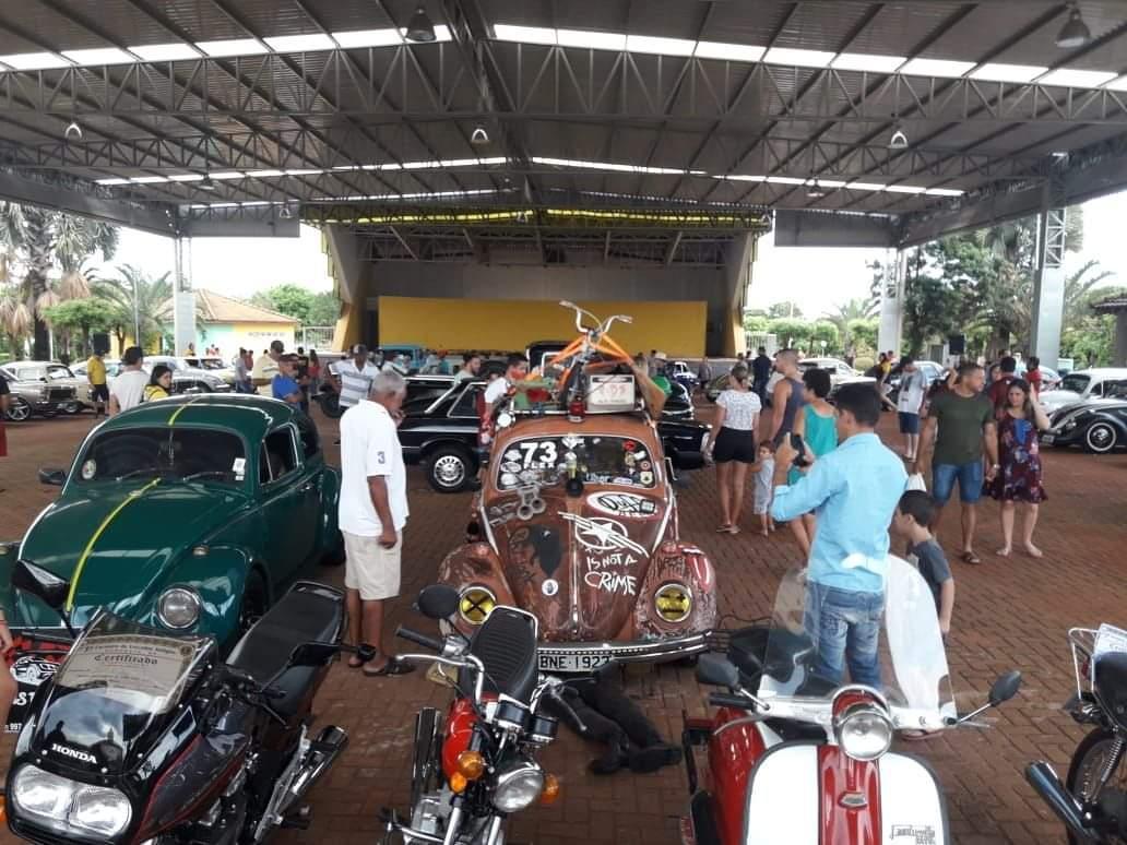 Ouroestenses prestigiaram a 1º Exposição de Veículos Antigos