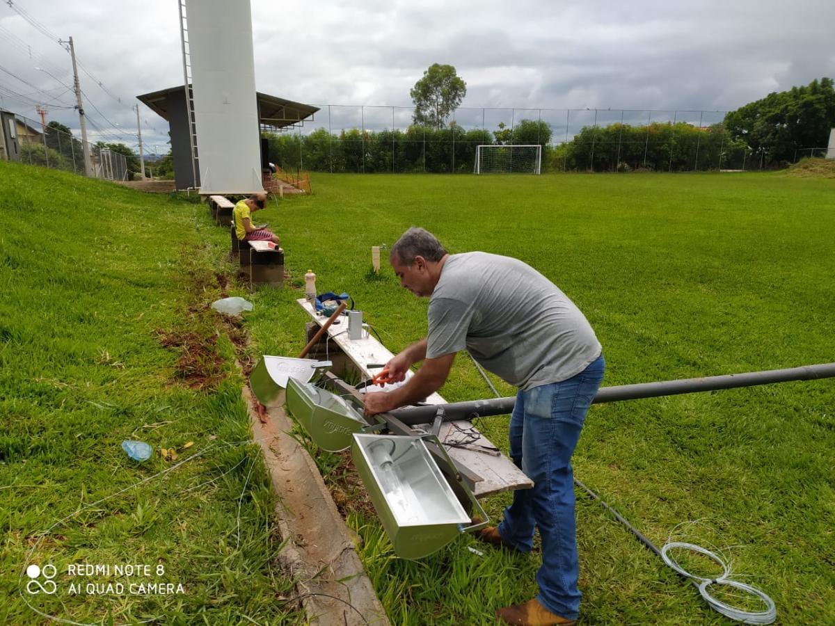 Campo de futebol da Vila Veneto ganha mais iluminação
