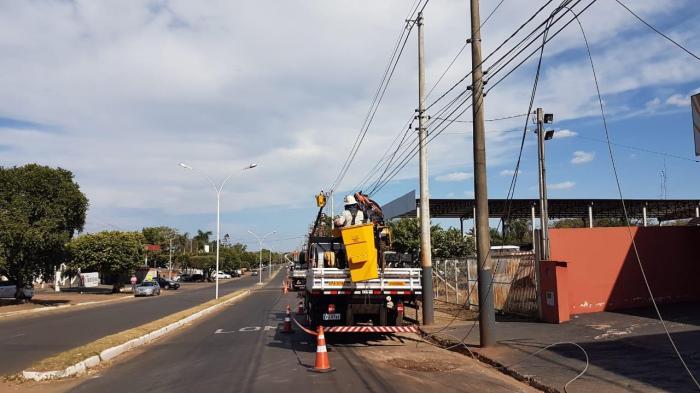 Distrito Industrial I recebe adequações e melhorias na rede de energia elétrica