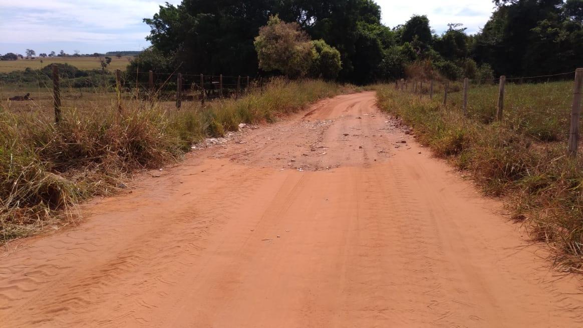Secretaria de Agricultura realiza manutenção em estrada rural
