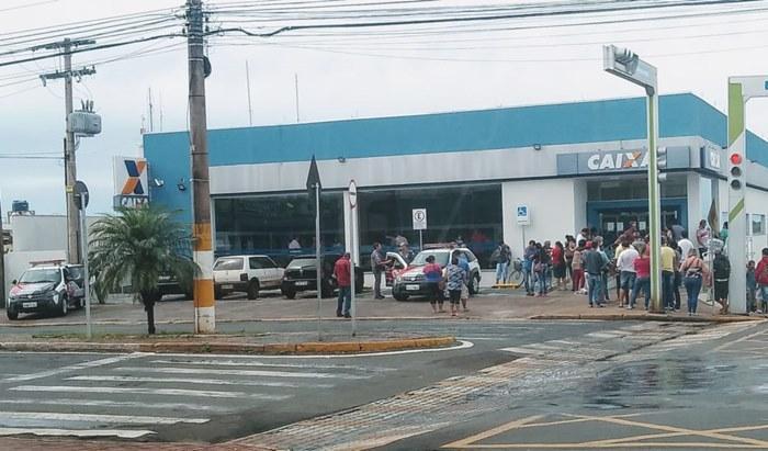 Sem fechar os bancos e lotéricas o lockdown não serve de nada em Fernandópolis