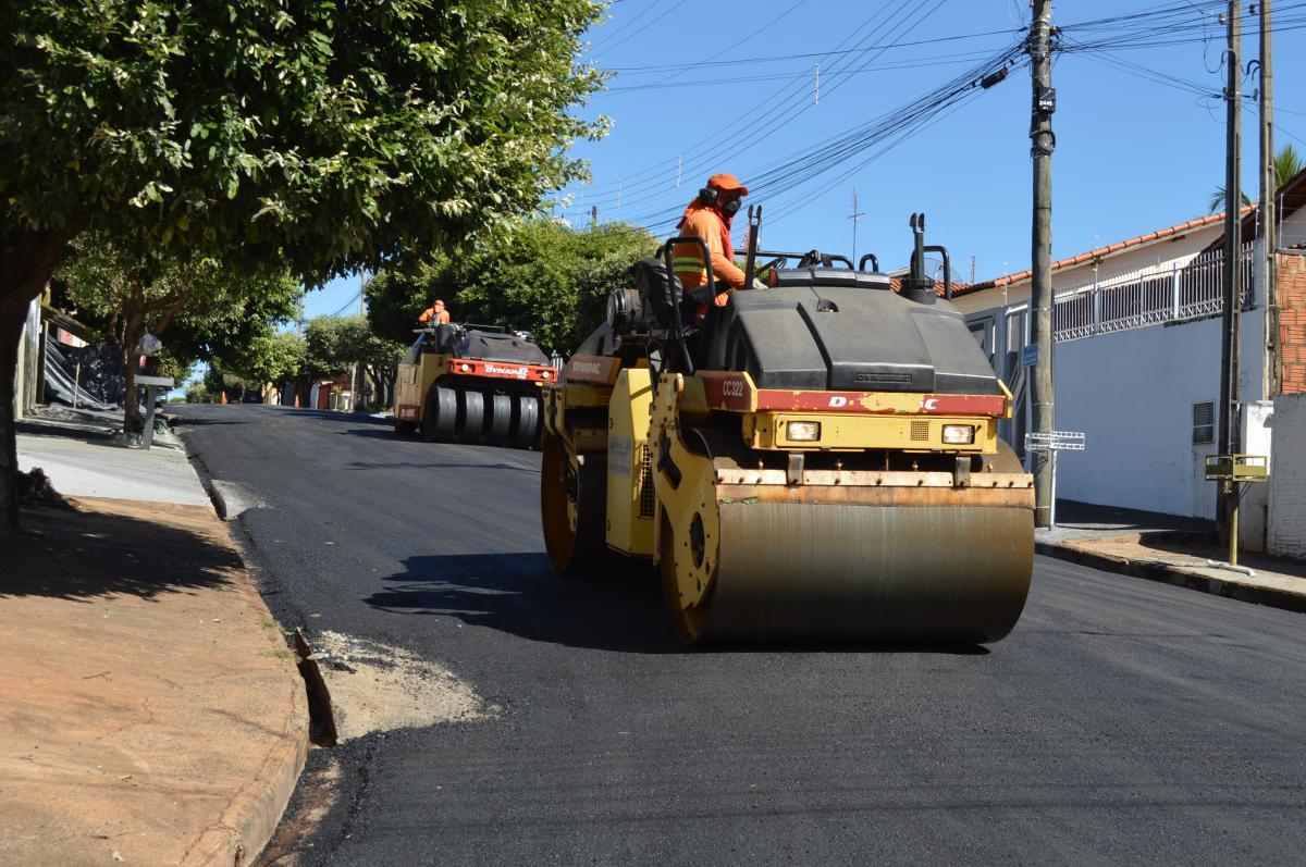Prefeitura de Fernandópolis inicia recape nas ruas do Jardim Ana Luíza